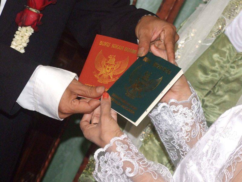 12 Golongan Yang Tidak Boleh Dinikahi Muslim Ini Penjelasannya