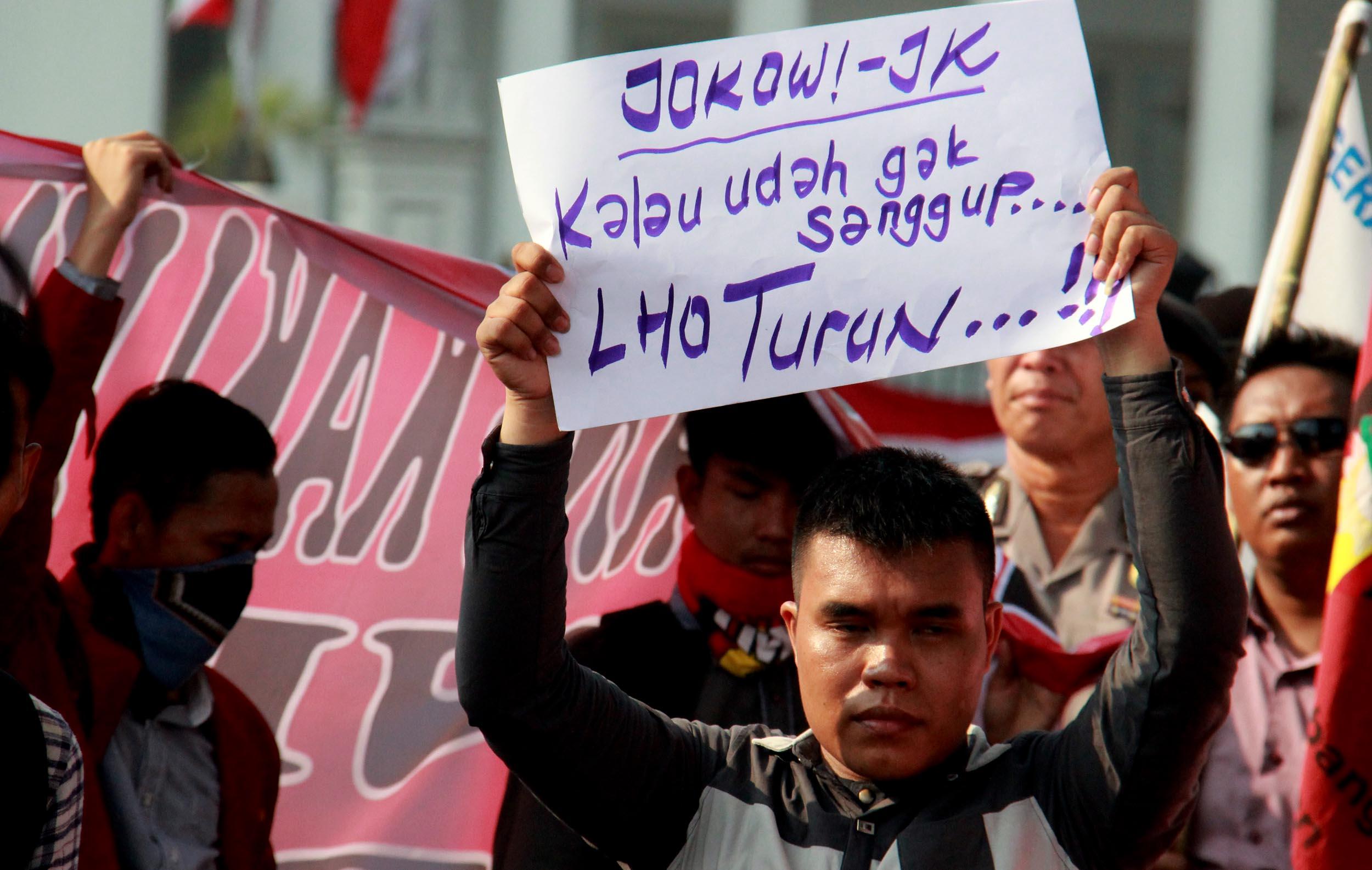 """Hukum di Rezin Jokowi, """"Tajam Ke Lawan Politik Tumpul ke Kawan""""."""