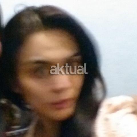 Foto Anggita Sari Model Seksi Saat Ditangkap Polisi Di Surabaya