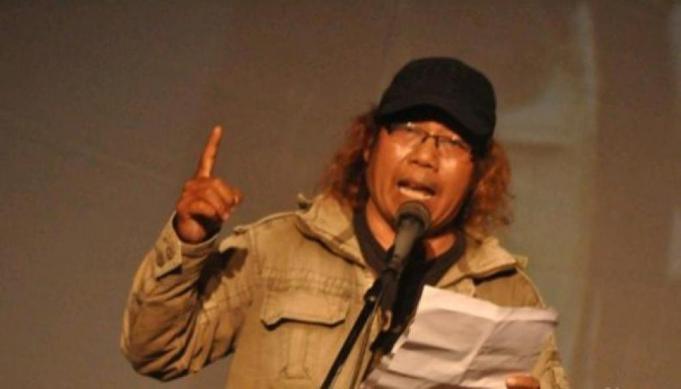 Kritik Pemerintah Penyair Ini Akan Bacakan Puisi Bencana Asap