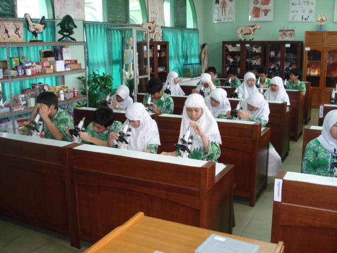 Cirebon Rencanakan Sekolah Miliki Lima Lab