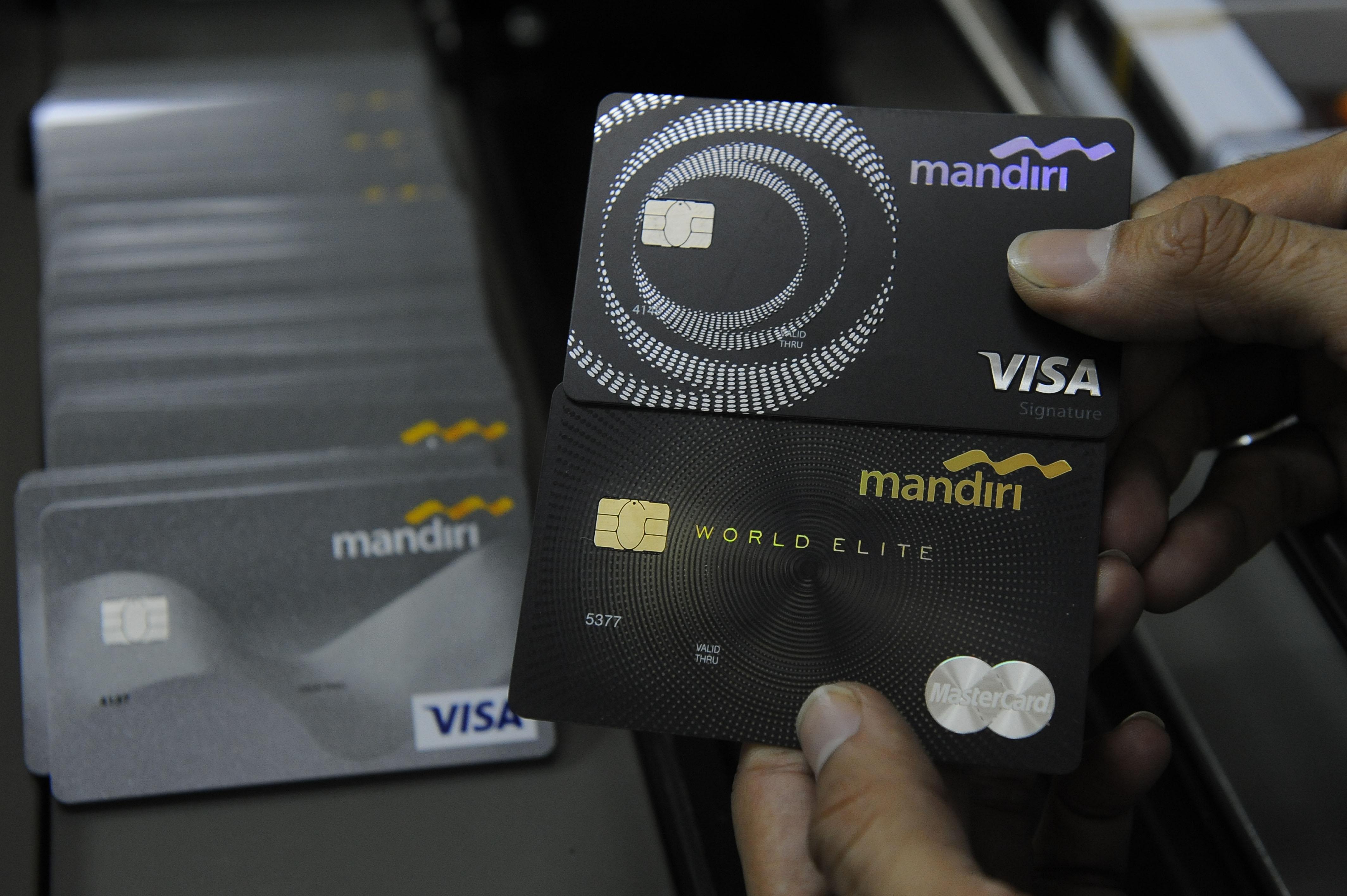 Intip Transaksi Kartu Kredit, Mandiri: Konsumen Merasa ...