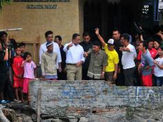 Anies Baswedan Datangi Warga Kali Krukut, Tekankan Pentingnya Dialog