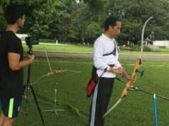 Jokowi saat latihan panahan (Foto:imgrum.net)