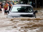 Badan Nasional Penanggulangan Bencana (BNPB) menyebutkan bahwa ada 54 titik banjir yang tersebar di wilayah Jakarta dengan ketinggian bervariasi. AKTUAL/Munzir