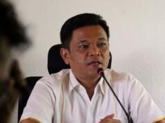 Dalam jumpa persnya Wakil Sekretaris Jenderal (Wasekjen) DPP Partai Golkar, Ace Hasan Syadzily, kami tunggu klarifikasi kepada yang bersangkutan. Klarifikasi ini tujuannya meminta penjelasan kepada yang bersangkutan. Sekaligus nanti DPP sesuai aturan itu mengambil kebijakan. AKTUAL/Munzir