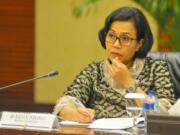 Menkeu Sri Mulyanai saat rilis stabilitas keuangan Indonesia di Jakarta, Jumat (3/2). Pembahasan tersebut diikuti oleh Kemenkeu, OJK, Bank Indonesia, dan LPS ini memandang stabilitas keuangan nasional dari berbagai aspek. AKTUAL/Tino Oktaviano