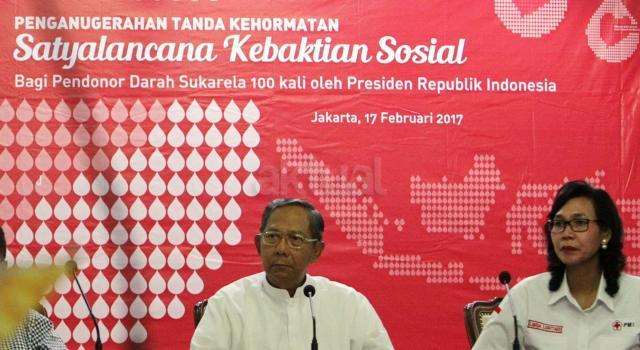 Di tahun 2017 PMI menargetkan rancangan undang undang tersebut menjadi undang undang. Selain Mukernas PMI akan memberikan penghargaan Satyalancana Kebaktian Sosial Donor Darah 100 kali kepada 846 pendonor darah sukarela dari 15 provinsi di Indonesia. AKTUAL/Munzir
