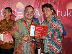 Corporate Communication Manager PT Bank Tabungan Negara (Persero) Tbk Dody Agoeng menerima penghargaan PR Indonesia Awards 2017 kategori Media Relations, di Bali, Jumat (24/3). Penghargaan ini diberikan Majalah PR Indonesia sebagai wujud apresiasi atas berbagai publikasi positif terkait Bank BTN di media massa sepanjang tahun 2016. AKTUAL/HO