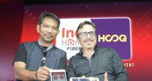 (Kiri ke kanan) Executive General Manager Divisi TV Video Telkom Aris Hartoni, CEO HOOQ Peter Bithos, Vice President Marketing Management Telkom Jemy Confido dan Country Head HOOQ Indonesia Guntur Siboro saat peluncuran IndiHome HOOQ di Jakarta,