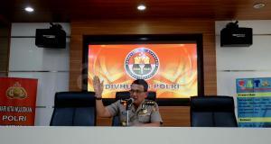 Sebelumnya Tim Densus 88 Antiteror Polri berhasil menangkap 8 terduga teroris di wilayah Banten dan Jawa Barat. Penangkapan pertama terjadi pada pukul 05.00 WIB, di wilayah Pesanggrahan, Desa Tanjung Baru, Kecamatan Cikarang, Bekasi, Jawa Barat. AKTUAL/Munzir