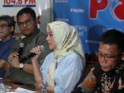 Politisi Partai Gerindra Rachel Maryam saat menjadi pembicara dalam diskusi polemik bertema 'Setelah Pilkada Usai' di Jakarta, Sabtu (22/4). Diskusi tersebut membahas mengenai suasana politik usai Pilkada DKI Jakarta putaran kedua. AKTUAL/Tino Oktaviano