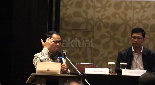Pemerhati Industri Penyiaran juga mantan ketua komisi I DPR RI Mahfudz Siddiq saat menjadi pembicara dalam acara seminar dengan tema menyelamatkan industri penyiaran Indonesia di Jakarta. Kamis (18/5/2017). Dalam seminar tersebut Poin-poin yang akan dielaborasi antara lain Perizinan penyiaran, Konsolidasi atau sinergi, Digitalisasi dan antisipasi perkembangan teknologi dan Komite ad hoc digital nasional. AKTUAL/Munzir