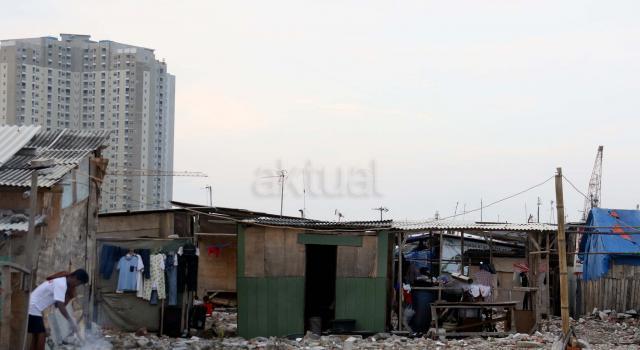Pemprov DKI Jakarta akan segera menertibkan kembali bedeng yang dibangun warga di kawasan tersebut. AKTUAL/Munzir