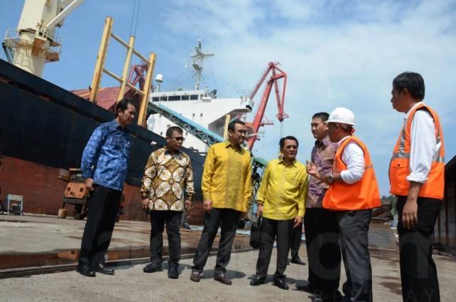 Pansus Pelindo II DPR RI meninjau Pelabuhan Teluk Bayur Padang