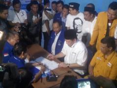 La Nyalla daftar bakal calon gubernur Jatim ke Demokrat Jatim (Aktual/Ahmad H Budiawan)