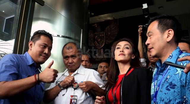 Kedatangan perwakilan Pansus angket Pelindo II ke markas lembaga antirasuah itu untuk menyerahkan laporan audit hasil investigatif BPK terhadap Pelindo II. AKTUAL/Munzir