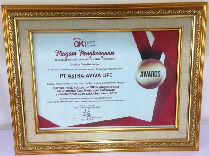 "PT ASTRA AVIVA LIFE (Astra Life) mendapatkan sertifikat penghargaan / award dari Otoritas Jasa Keuangan (OJK) sebagai perusahaan yang telah memasarkan produk asuransi mikro dengan jumlah produk Asuransi Mikro (""Microinsurance"") yang telah disetujui oleh OJK terbanyak pada periode 2014 – 2017 di acara Gala Dinner dan Malam Penutupan Seminar Internasional Asuransi Mikro Indonesia 2017 yang diselenggarakan oleh OJK pada 10 Juli 2017 lalu."