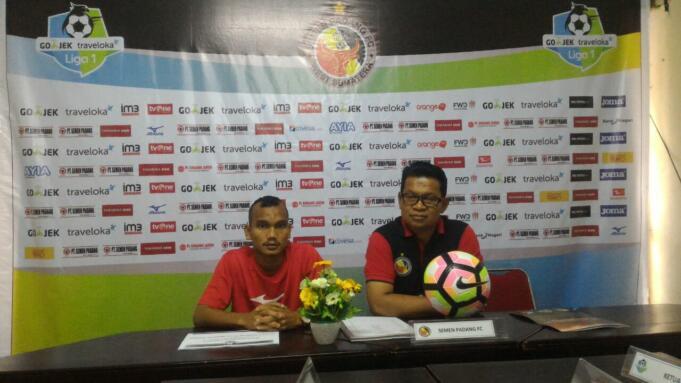 Konferensi Pers Semen Padang FC jelang pertandingan melawan Madura United di Stadion Agus Salim, Padang. (Aktual/Ikhwan)