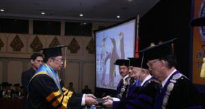 Wakil Ketua MPR, Mahyudin Terima Gelar Doktor Ilmu Pemerintahan