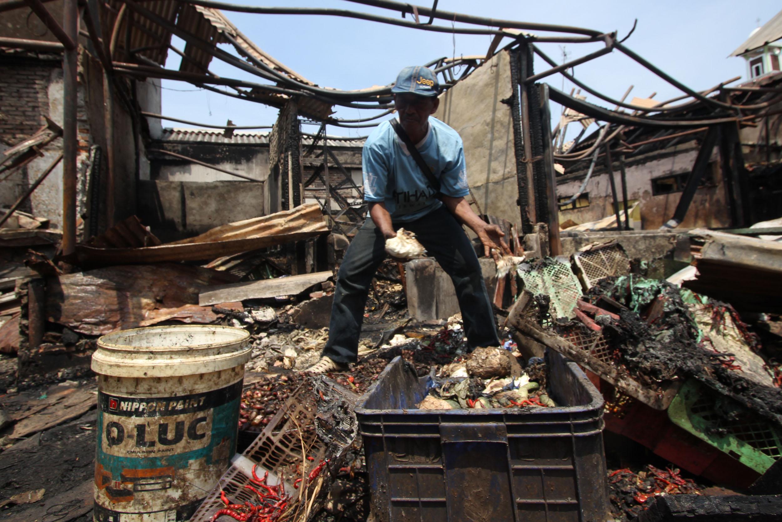 Sisa Kebakaran Pasar Gembrong Lama - Aktual.Com Terhangat ...