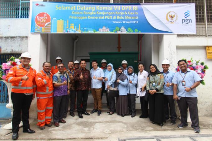 Penyaluran gas bumi perdana di pabrik Bolu Meranti oleh PGN