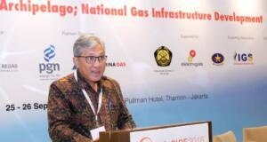 Direktur Utama PT PGN Tbk Gigih Prakoso saat menjadi salah satu pembicara dalam Acara 7th International Indonesia Gas Infrastructure Conference & Exhibition 2018, di Jakarta, Selasa (25/9).