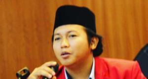 """""""Ketidaksetujuan terhadap hal-hal tersebut harus diekspresikan dengan cara-cara yang elegan dan tidak membalasnya dengan aksi serupa,"""" ujar Ketua Umum Dewan Pimpinan Pusat Ikatan Mahasiswa Muhamadiyah (DPP IMM) Najih Prastiyo dalam keterangan resmi yang diterima di Jakarta, Selasa (23/10)."""