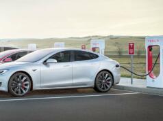 Produsen mobil listrik AS, Tesla, memperkenalkan V3 Supercharging, perangkat pengisian daya baterai mobil listrik generasi baru yang mampu memangkas 50 persen waktu pengisian