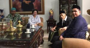 Megawati Terima Kunjungan KH Maimun Zubair