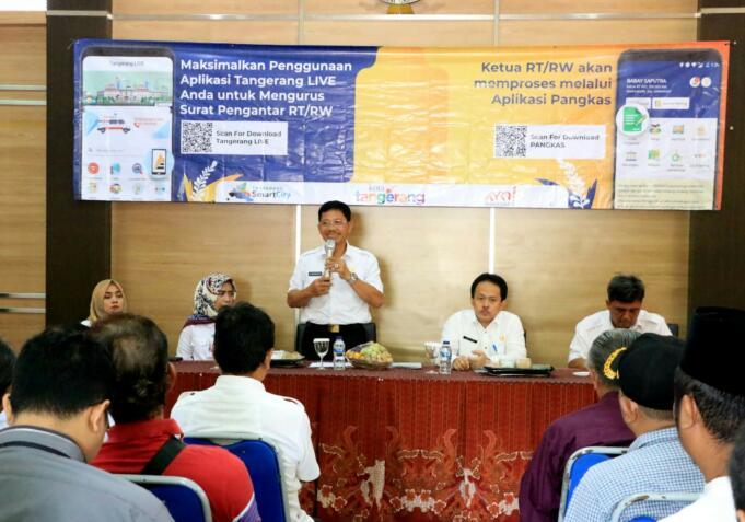 Wakil Wali Kota Tangerang, Sachrudin luncurkan aplikasi pelayanan masyarakat.