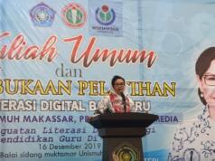 Ketua umum PB PGRI Prof. Unifah Rosyidi saat membawakan kuliah umum di Makassar,