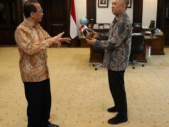 Dubes RI untuk Rusia Wahid Supriyadi dan Menteri Koperasi dan UKM Teten Masduki bertemu di Jakarta, Rabu (15/1/2020), untuk membahas perluasan pasar ekspor di Rusia. ANTARA/HO-Kemenkop dan UKM.