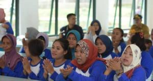 Pengungsi korban banjir bandang dan longsor di Kabupaten Lebak dilatih keterampilan kuliner dengan memproduksi aneka makanan jajanan oleh Kementerian Pemberdayaan Perempuan dan Perlindungan Anak (KPPPA). ANTARA/HO-Kementerian PPPA
