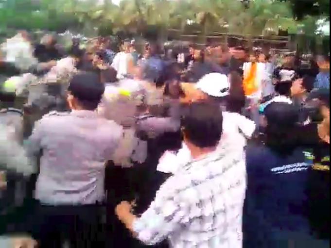Demo yang berujung ricuh di Jember/Foto: Tangkapan Layar