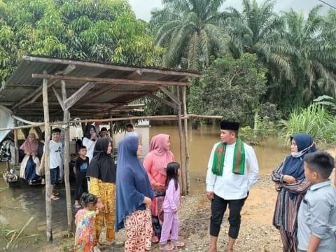 Bupati Zukri Tinjau Langsung Dua Desa Terdampak Banjir di Bunut