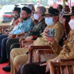 Wakil Menteri Pertanian (Wamentan) Harvick Hasnul Qolbi didampingi Wakil Gubernur Pekanbaru, Edy Afrizal Natar Nasution, juga Walikota Pekanbaru, Firdaus dalam Kegiatan Panen Jagung dan Penerapan Mekanisasi Pertanian yang diselenggarakan Koperasi Riau Tani Berkah Sejahtera (RTBS) di kawasan Agrowisata, Pekanbaru, Riau, Senin (21/6) siang. Foto: Warnoto/Aktual.com