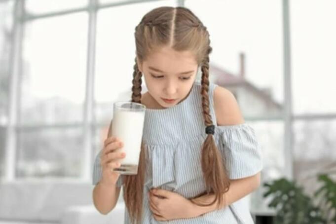 Ilustrasi Anak Yang Sedang Minum Susu/Antara
