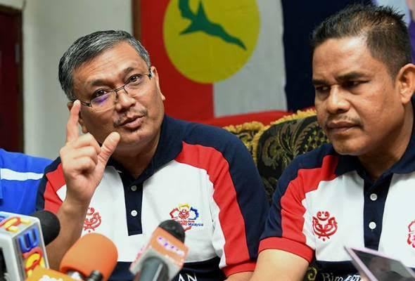Mantan Menteri Energi dan Sumber Daya Alam Malaysia, yang juga anggota partai UMNO, Shamsul Anuar Nasarah (kiri berkacamata)/foto: Astroawani