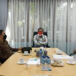 Bupati Pelalawan, Zukri Misran didampingi Plt Kadis Pertanian dan Kadis Kehutanan mengunjungi Wakil Menteri Pertanian RI Harvick Hasnul Qolbi di Kantornya pada Rabu (1/9/2021) membicarakan potensi pertanian di wilayah Kabupaten Pelalawan, Riau. Hadir pula Anggota DPD-RI Dapil Riau, Edwin Pratama Putra.  Dalam pertemuan tersebut, Wakil Menteri Pertanian RI Harvick Hasnul Qolbi berpesan kepada Bupati Pelalawan Zukri Misran untuk segera membentuk Perusda (BUMD) supaya hasil pertanian dari Kabupaten Pelalawan dapat menjadi ekspor unggulan, yang mana posisi Pelalawan sangat strategis dekat dengan Singapura dan Malaysia.