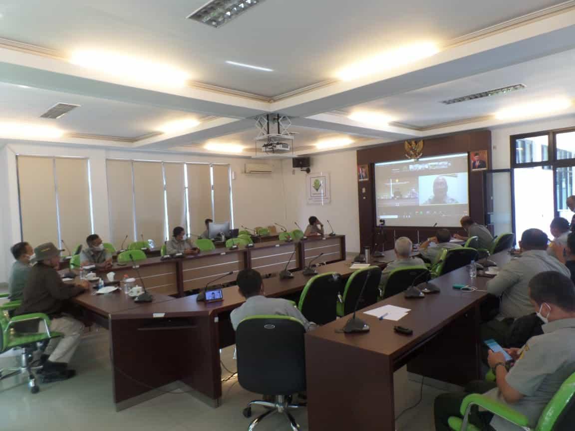 Suasana diskusi Wakil Menteri Pertanian RI, Harvick Hasnul Qolbi bersama para peneliti Balitbang Kementan secara virtual di BBP2TP, Bogor, Kamis (16/9). (Foto: Warnoto/AKTUAL)