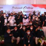 Foto bersama karyawan PT RASS Mandiri dengan Wakil Menteri Pertanian Harvick Hasnul Qolbi, usai rangkaian acara peresmian gudang penyimpanan daging di PT RASS Mandiri, di Jl Raden Inten, Jakarta Timur Rabu (15/9). AKTUAL / WARNOTO